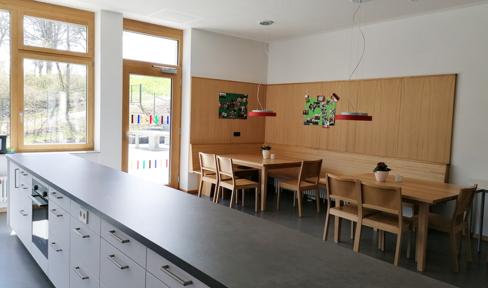 Aufenthaltsraum im Ganztagsbereich der Dominikus Savio Schule Pfaffendorf